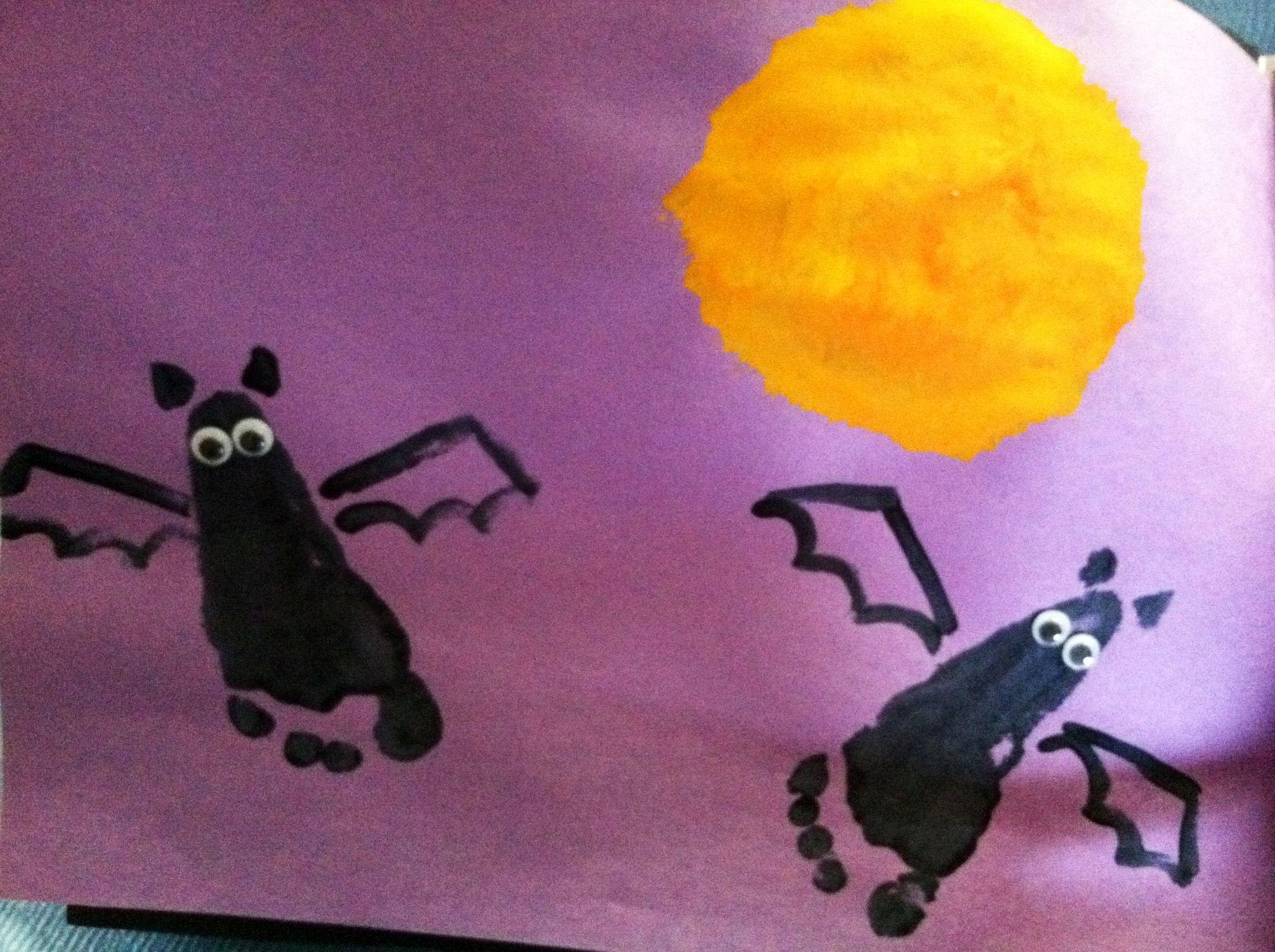 Foot Print Bat Art