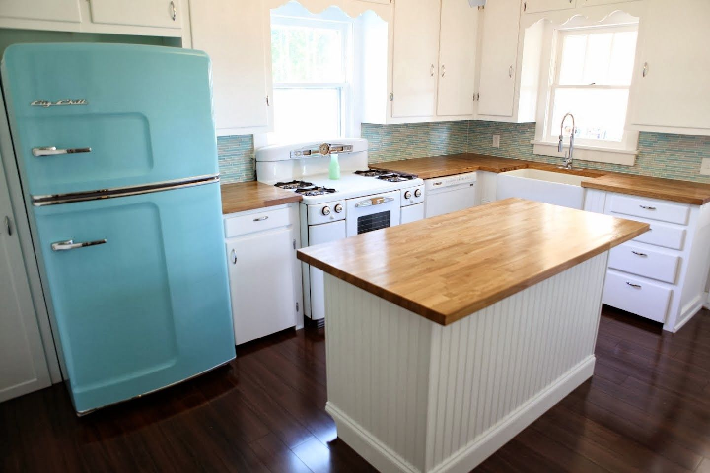 Retro: The Way To Go | kitchen islands | Pinterest | Retro, Kitchens ...