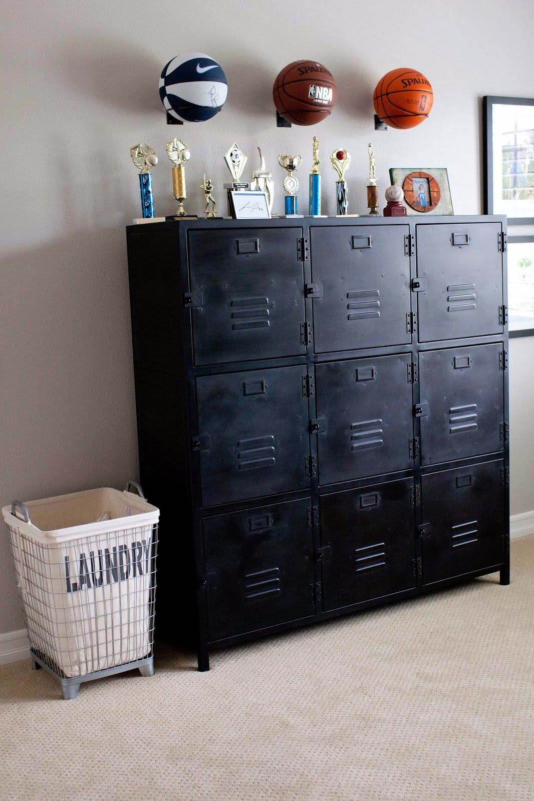 Basketballs lockers pinteres for Decorative lockers for kids rooms