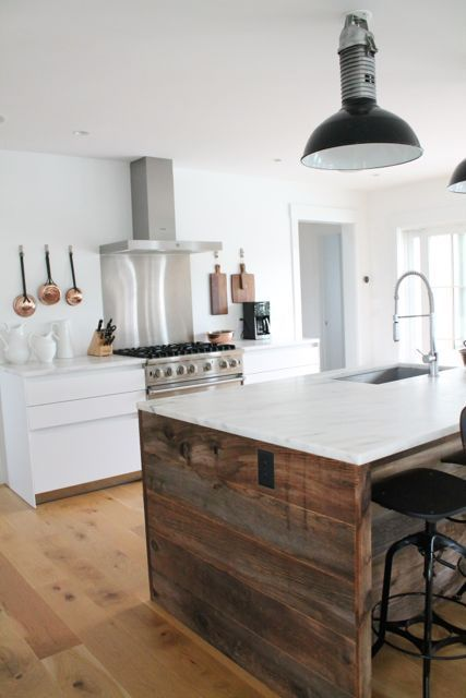 Love This Coastal Nantucket Kitchen With Amazing Reclaimed Wood Kitchen  Island!