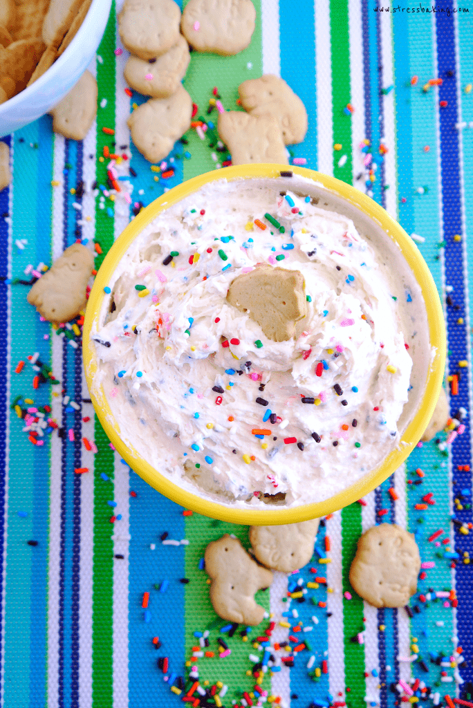 Dunkaroo Dip #dunkaroodip Dunkaroo Dip: A homemade version of the classic childhood treat. Easy, 3-ingredient funfetti flavored dip that's perfect for animal cracker dunking, and loaded with sprinkles!   dunkaroos   funfetti dip   cake batter dip  stressbaking.com @stressbaking #stressbaking #dunkaroos #sprinkles #dip #dessert #nobake #easydessert #funfetti