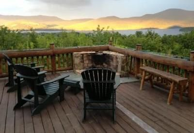 Secluded Vacation Home Stunning Lake Views Walking Distance To