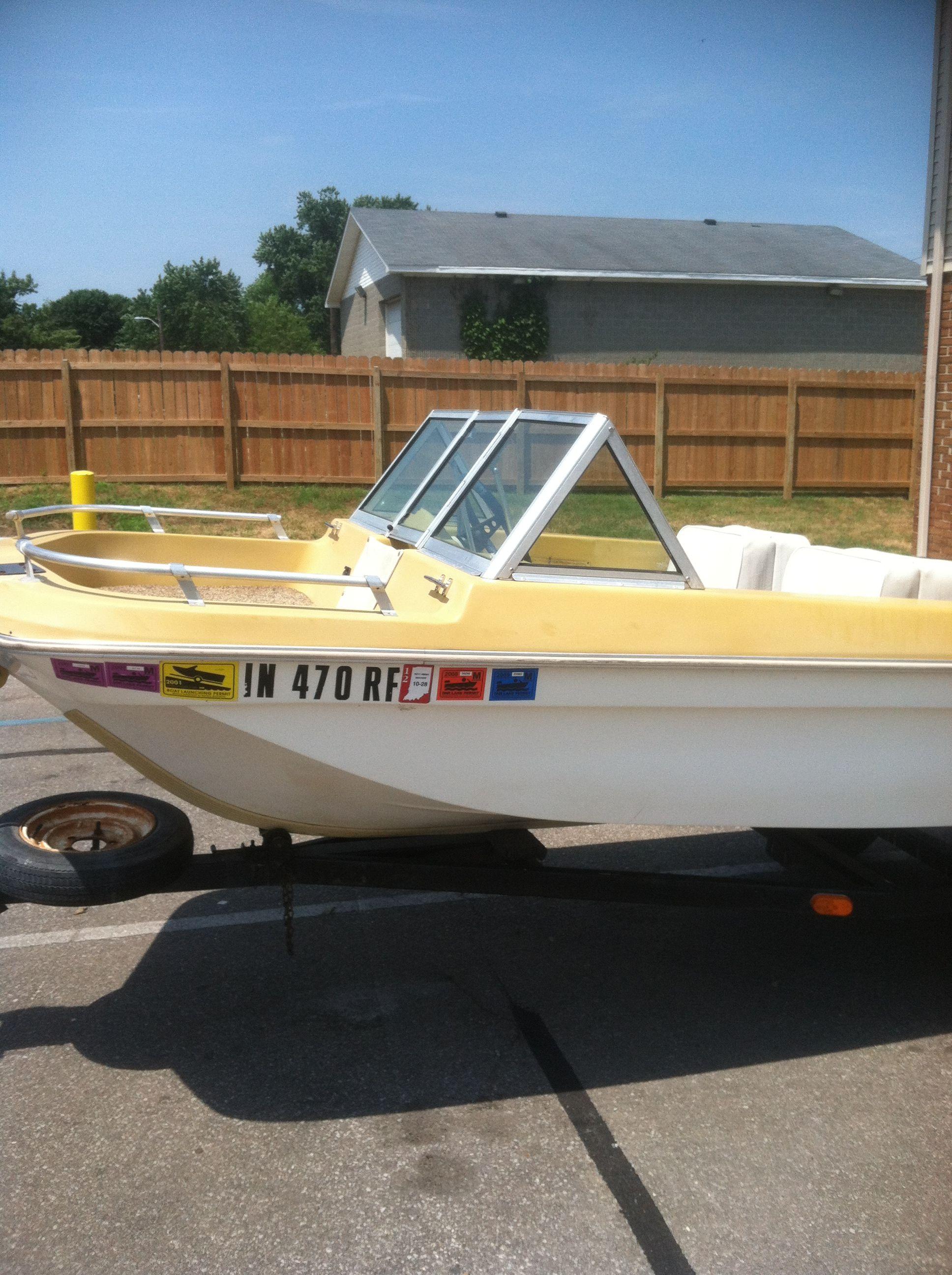 14 Beecraft Boat In Cokedog S Garage Sale Angola In Garage Sale