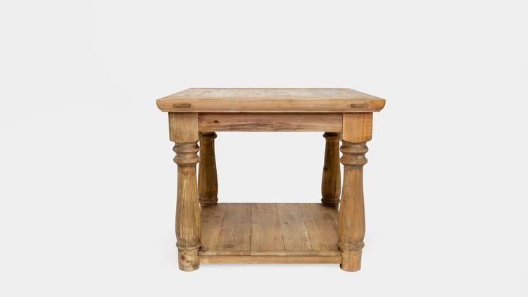 Mesa auxiliar en madera de olmo, con pata torneada. Medidas 60x60x50 Pvp 310.00 euros.jpg