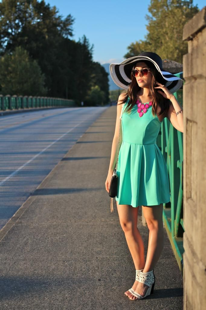 Mint dress with statement necklace ideas