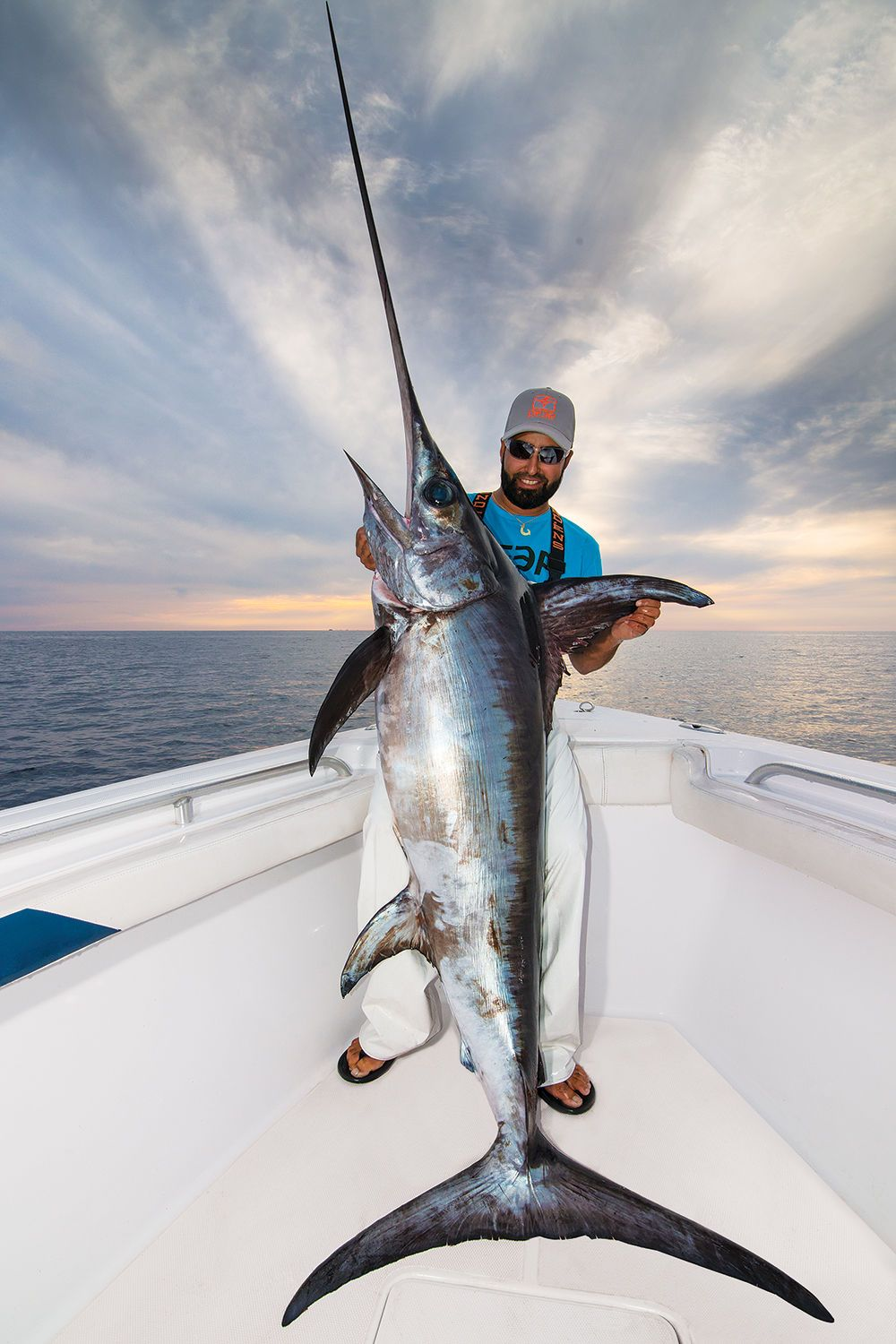 Northeast Daytime Swordfishing With Images Sea Fishing Deep