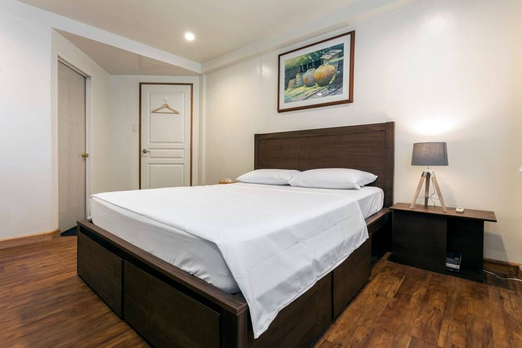 Masters Bedroom Has A Queen Size Bed And Divan With Toilet Bath