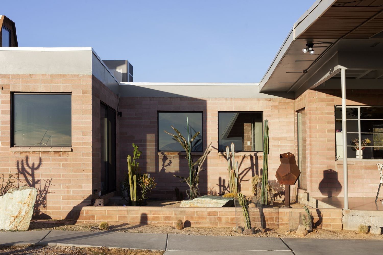Gallery of Palm Springs Dome House