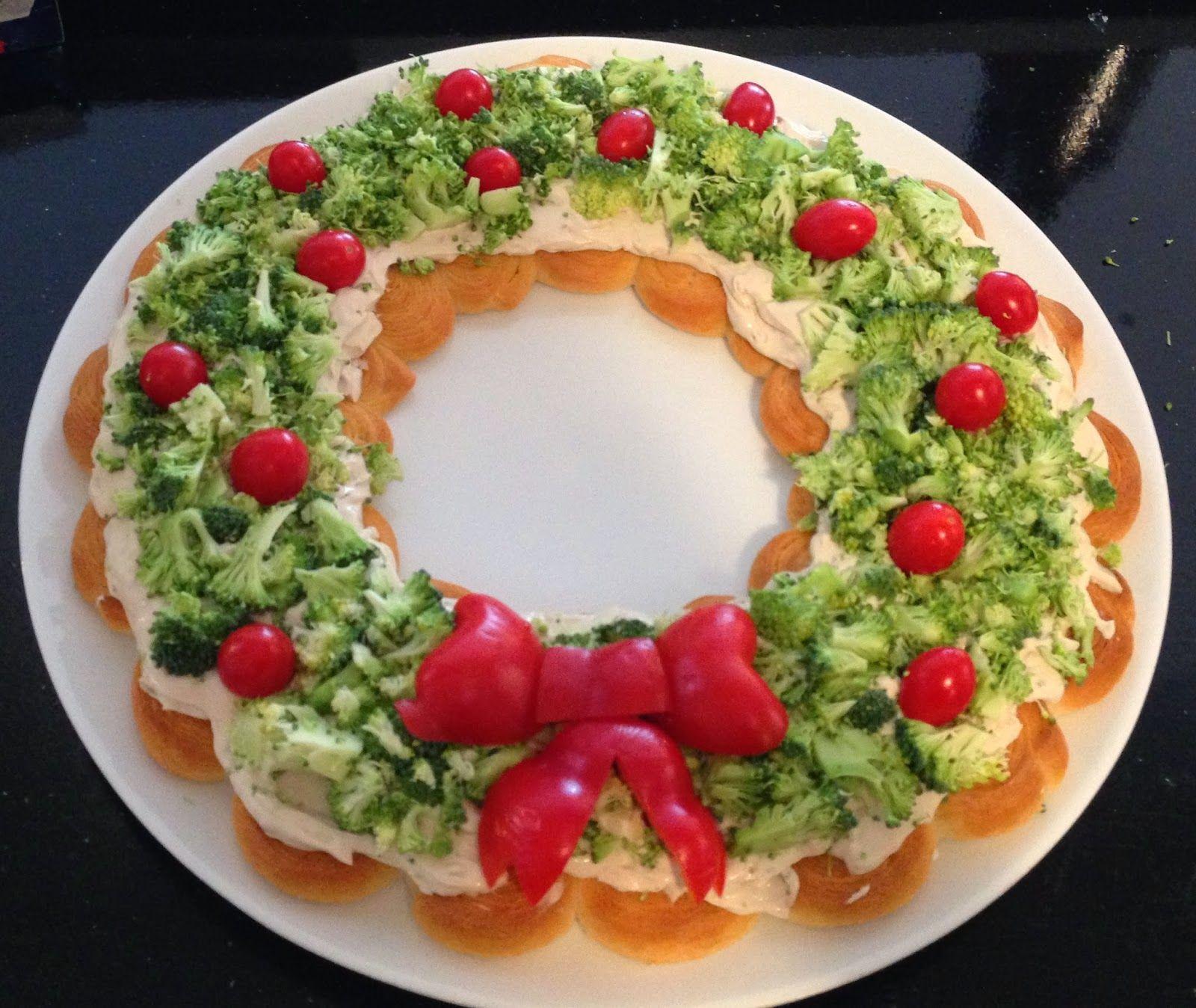 Our Hobby House: Veggie Crescent Christmas Wreath