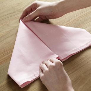 serviette zum hasen falten alles aus stoff servietten servietten falten und rosa papier. Black Bedroom Furniture Sets. Home Design Ideas