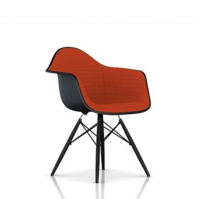 Eames Molded Plastic Armchair, Wire Base Esszimmerstühle