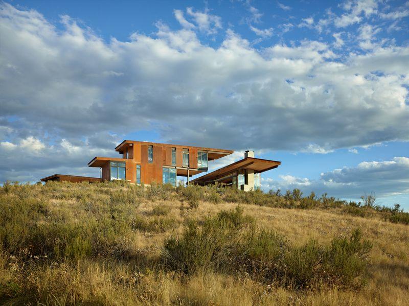 Studhorse Outlook | Winthrop, Washington | Olson Kundig Architects | Photo  By Benjamin Benschneider