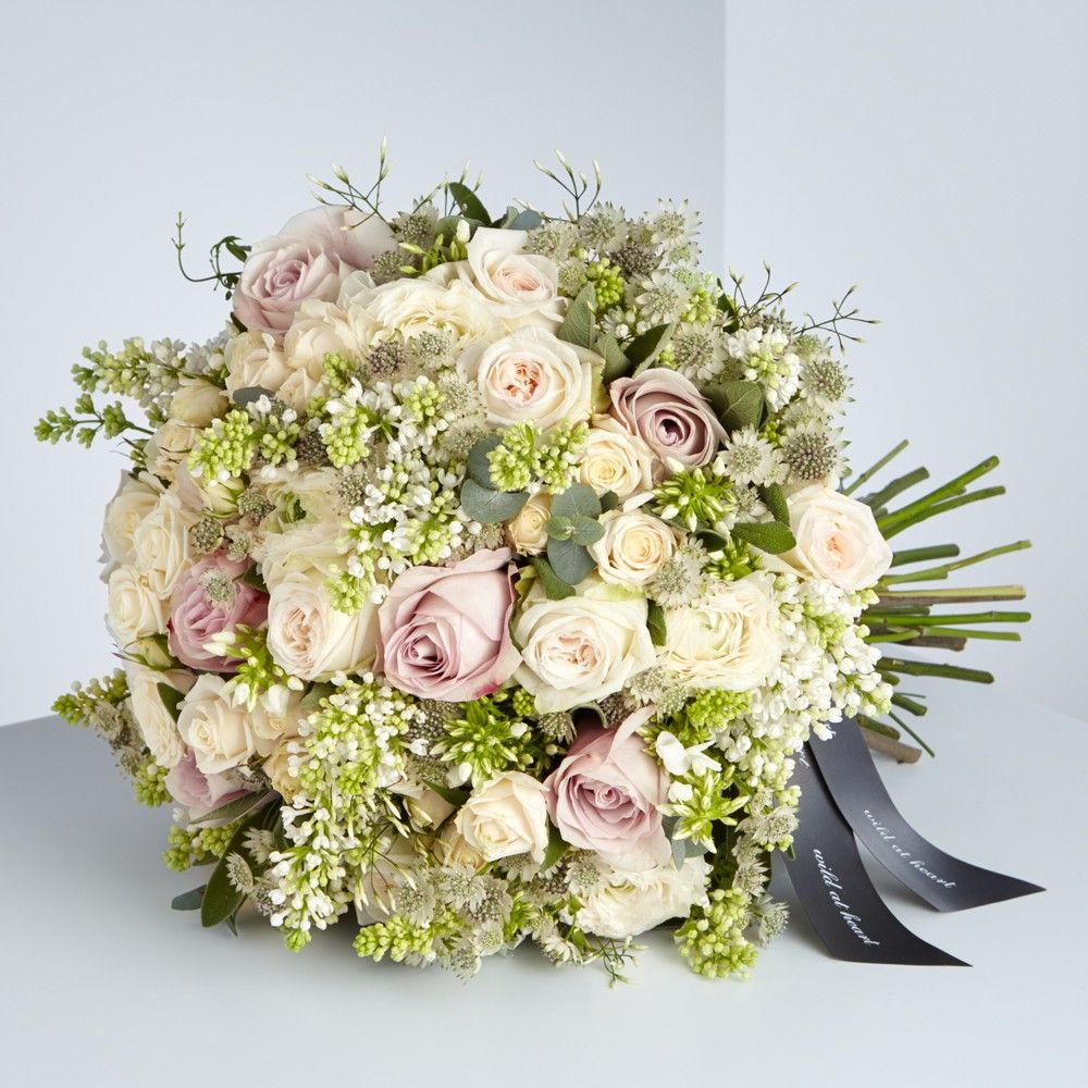 Simply sweet bouquet order luxury flowers nationwide for delivery simply sweet bouquet order luxury flowers nationwide for delivery to the uk from nikki tibbles izmirmasajfo