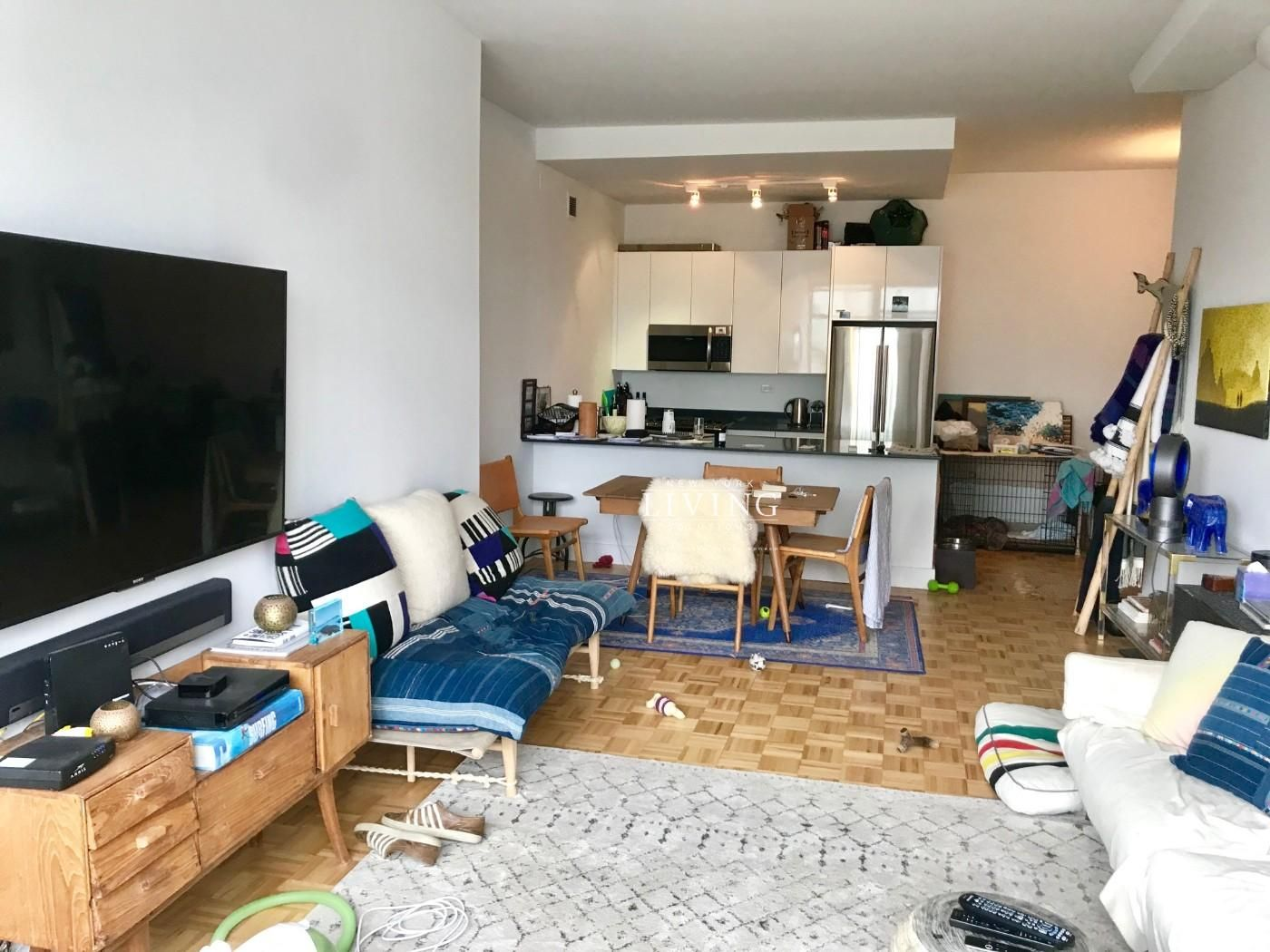 1 Bedroom 1 Bathroom Apartment For Sale In West Village West Village Nyc Apartment Loft Style Apartments Apartments For Rent