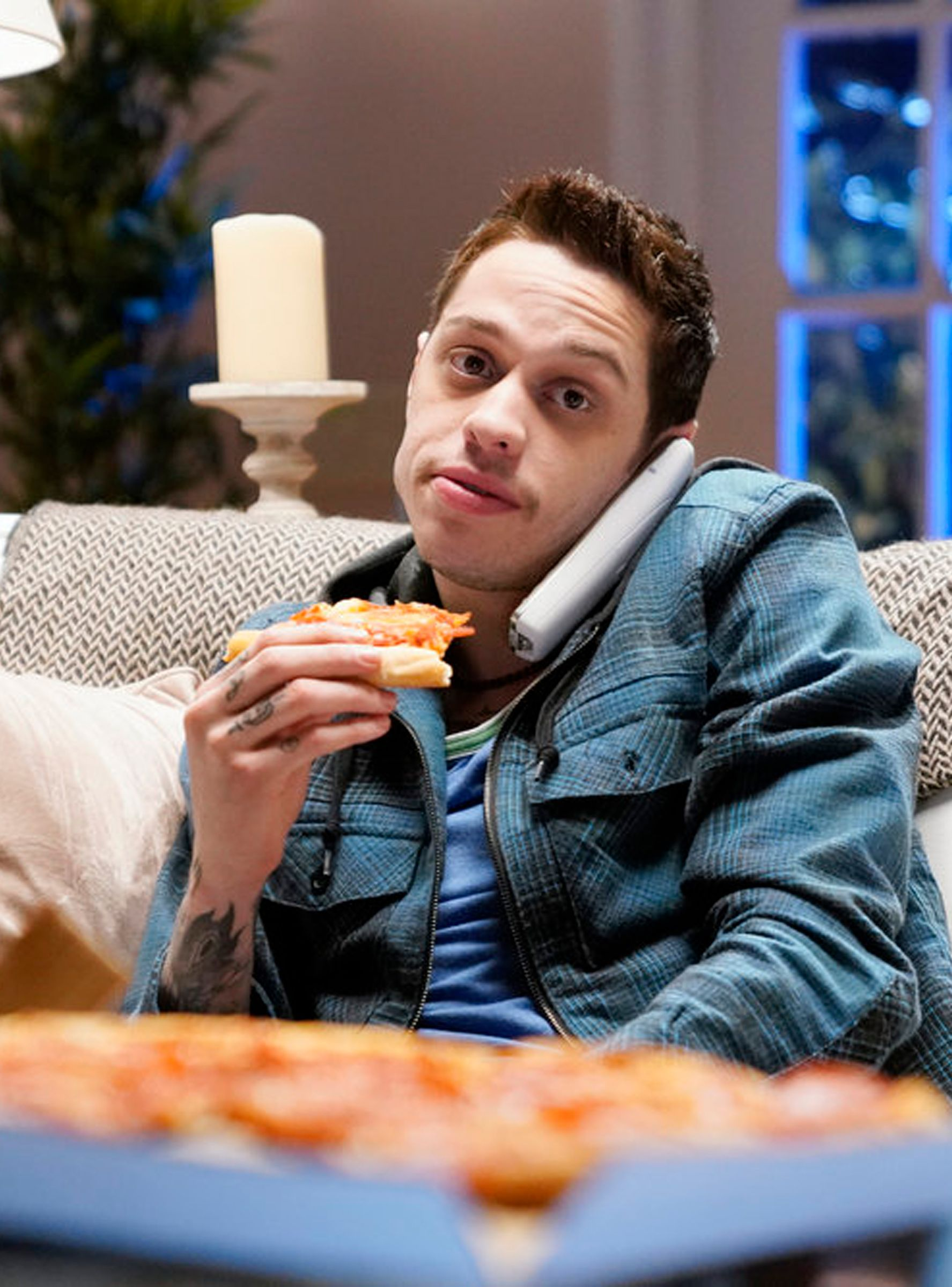 """""""SNL's"""" Pete Davidson Showed How Being The Worst Can Keep"""