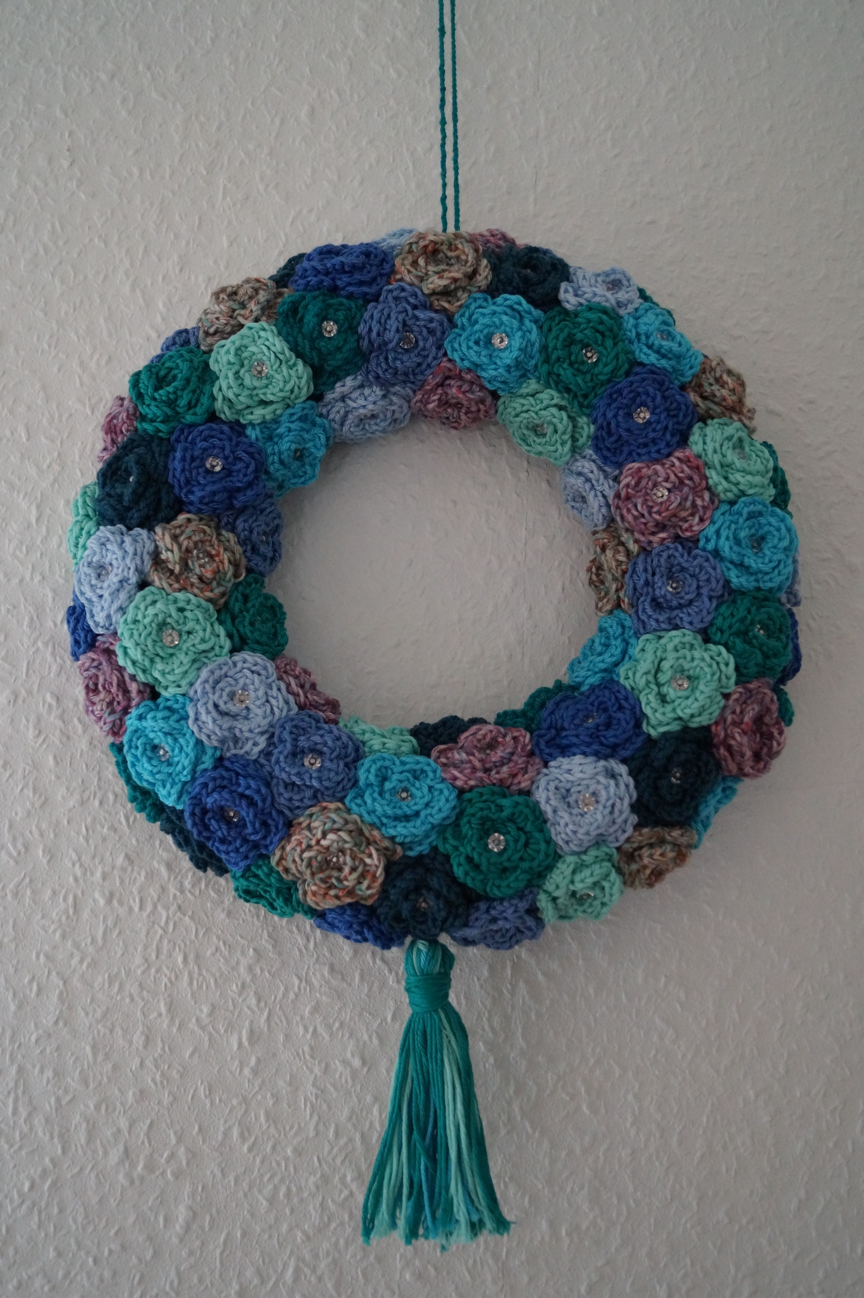 crochet wreath using rose pattern info about tutorial | Wreathes by ...
