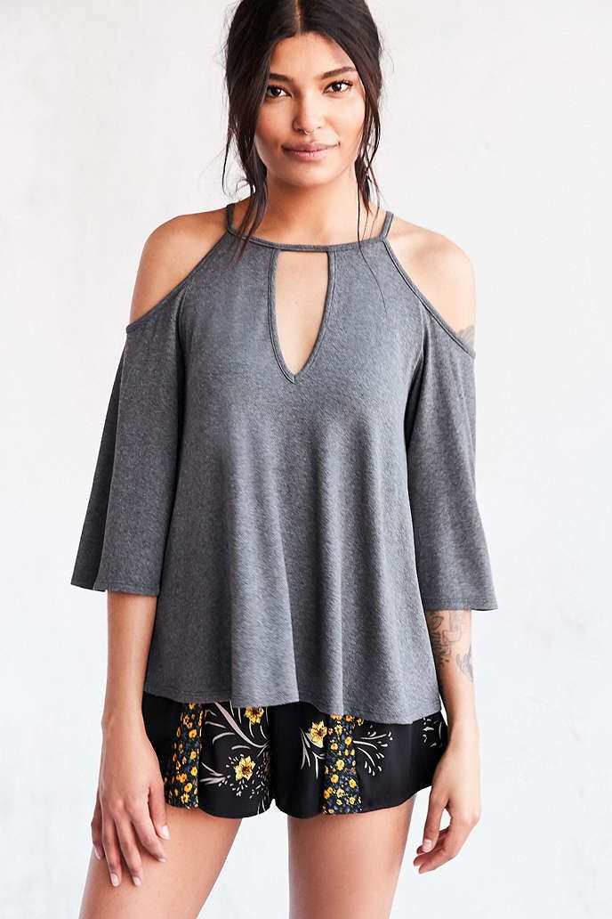 Silence + Noise Sofia Cold Shoulder Top - Urban Outfitters