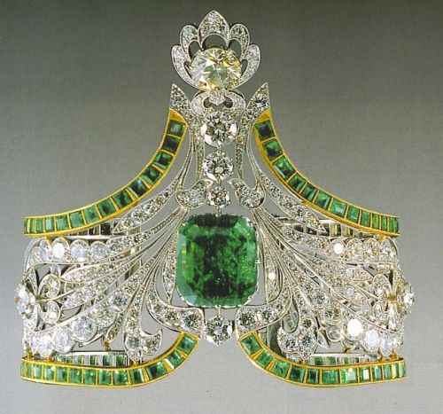 Russian????  Emerald and Diamond Tiara.