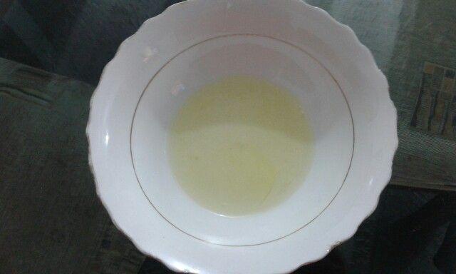 Clara de huevo (La clara de huevo tiene un 11,1% de proteínas)