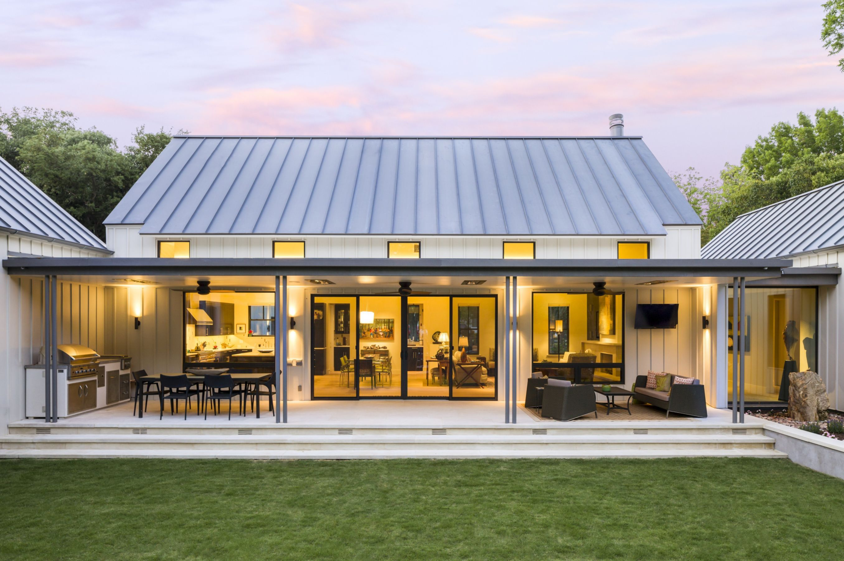 H shaped house back area makes private courtyard  floorplans  Modern farmhouse exterior