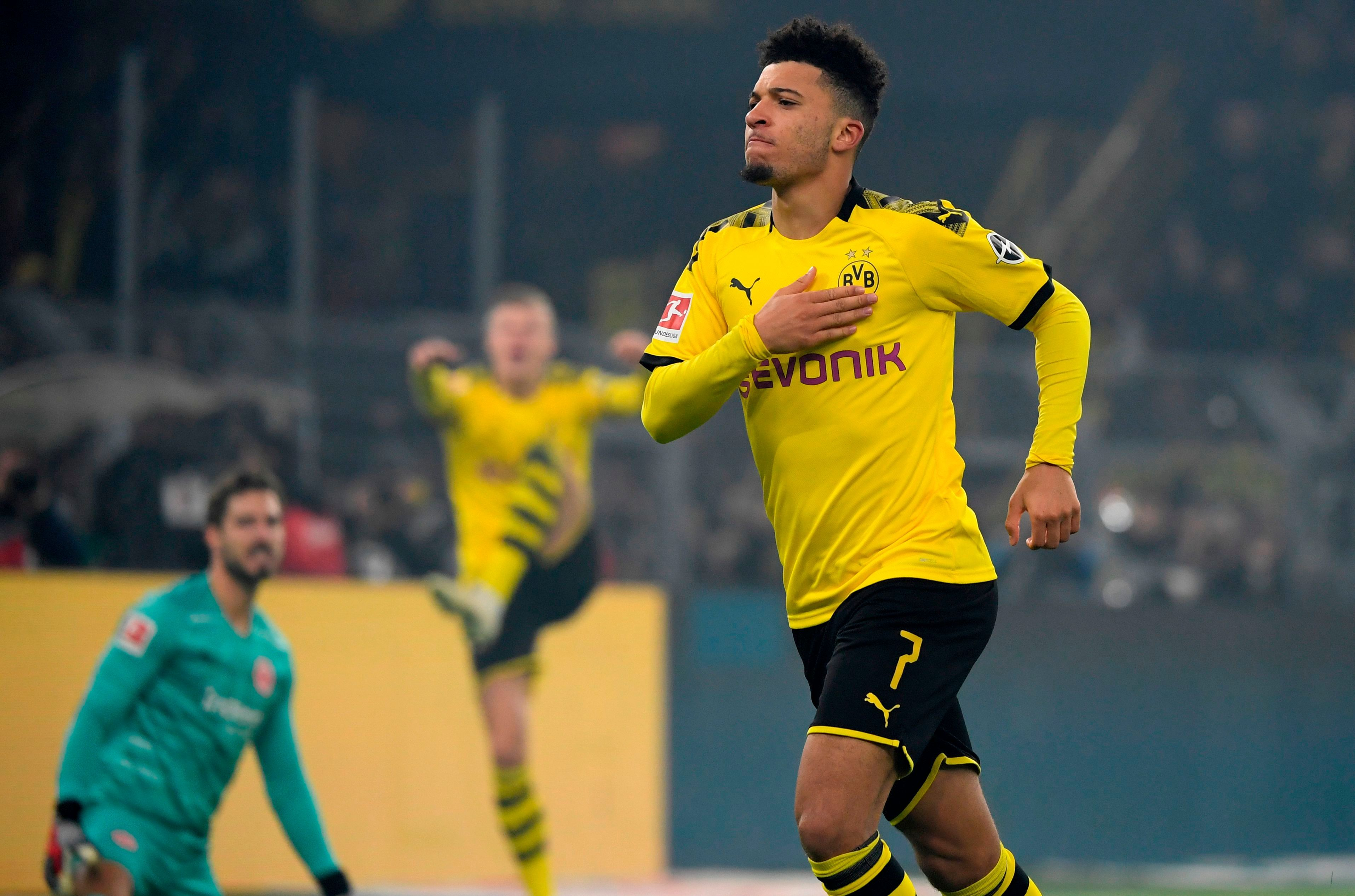 Jadon Sancho Transfer Latest As Chelsea Manchester United And Liverpool Target Could Stay With Borussia In 2020 Manchester United Dortmund Manchester United Transfer