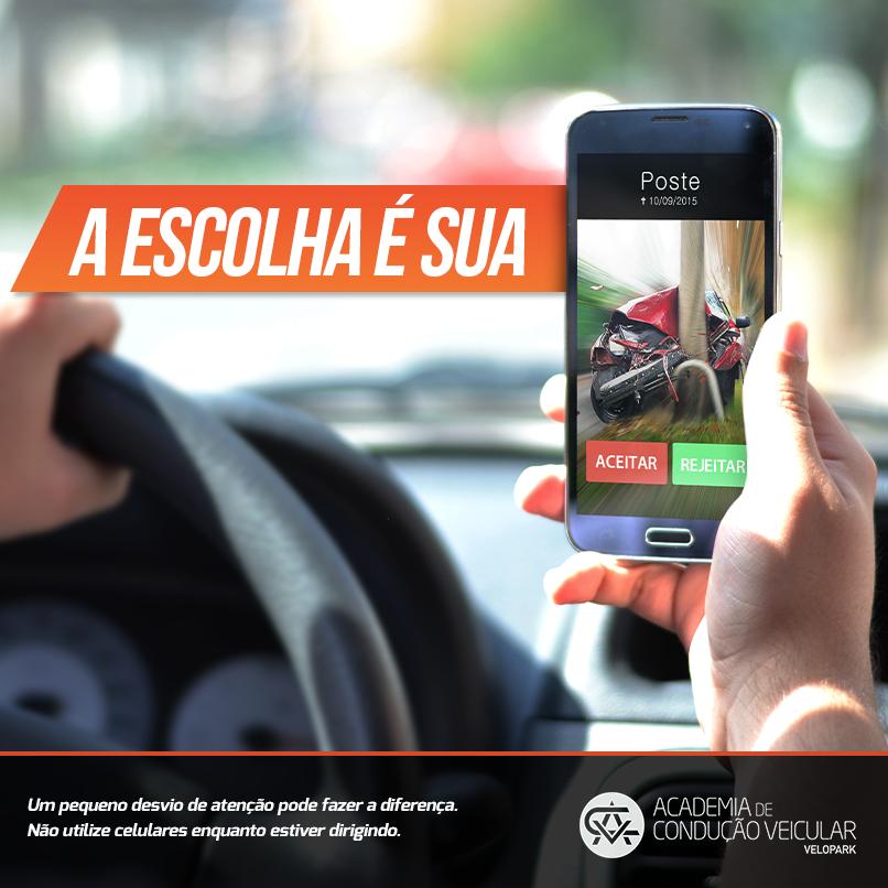 A escolha é sua - atender o celular no trânsito. Campanha criada para veicular nas mídias do Velopark. #design #creative #campaign #advertising by @gampi - www.gampi.com.br