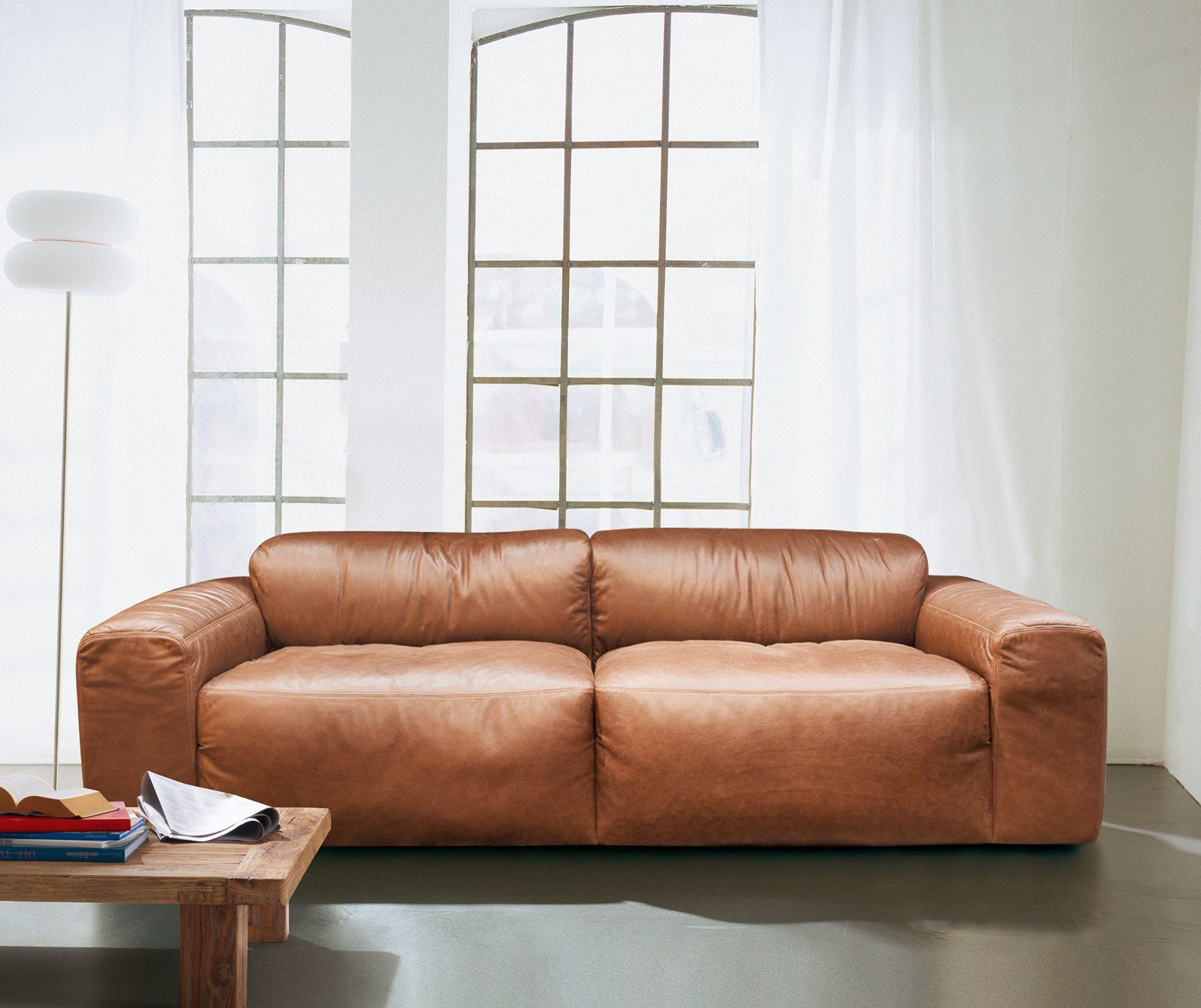 Exklusives Sofa Aus Weichem Gefarbtem Rindleder Mit Aufwendiger