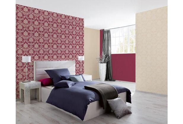 Tapeten mit Ornamenten, wirken sehr edel und verkörpern den Barock - bordeaux schlafzimmer