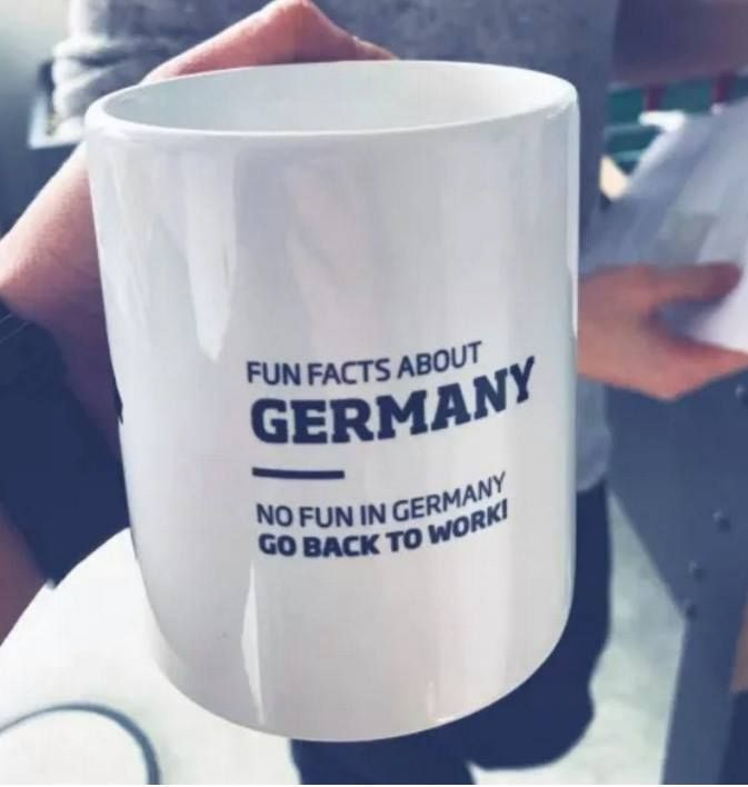 hier als tasse die beste b rotasse aller zeiten fun facts about germany from funny embed. Black Bedroom Furniture Sets. Home Design Ideas