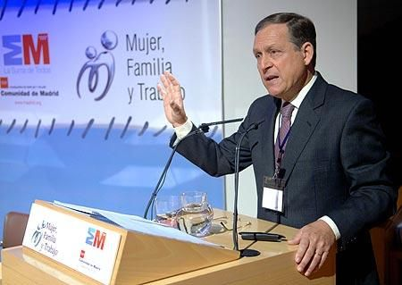 """Conferencia en el Canal de Isabel II, en las Jornadas """"Mujer, Familia y Trabajo"""""""