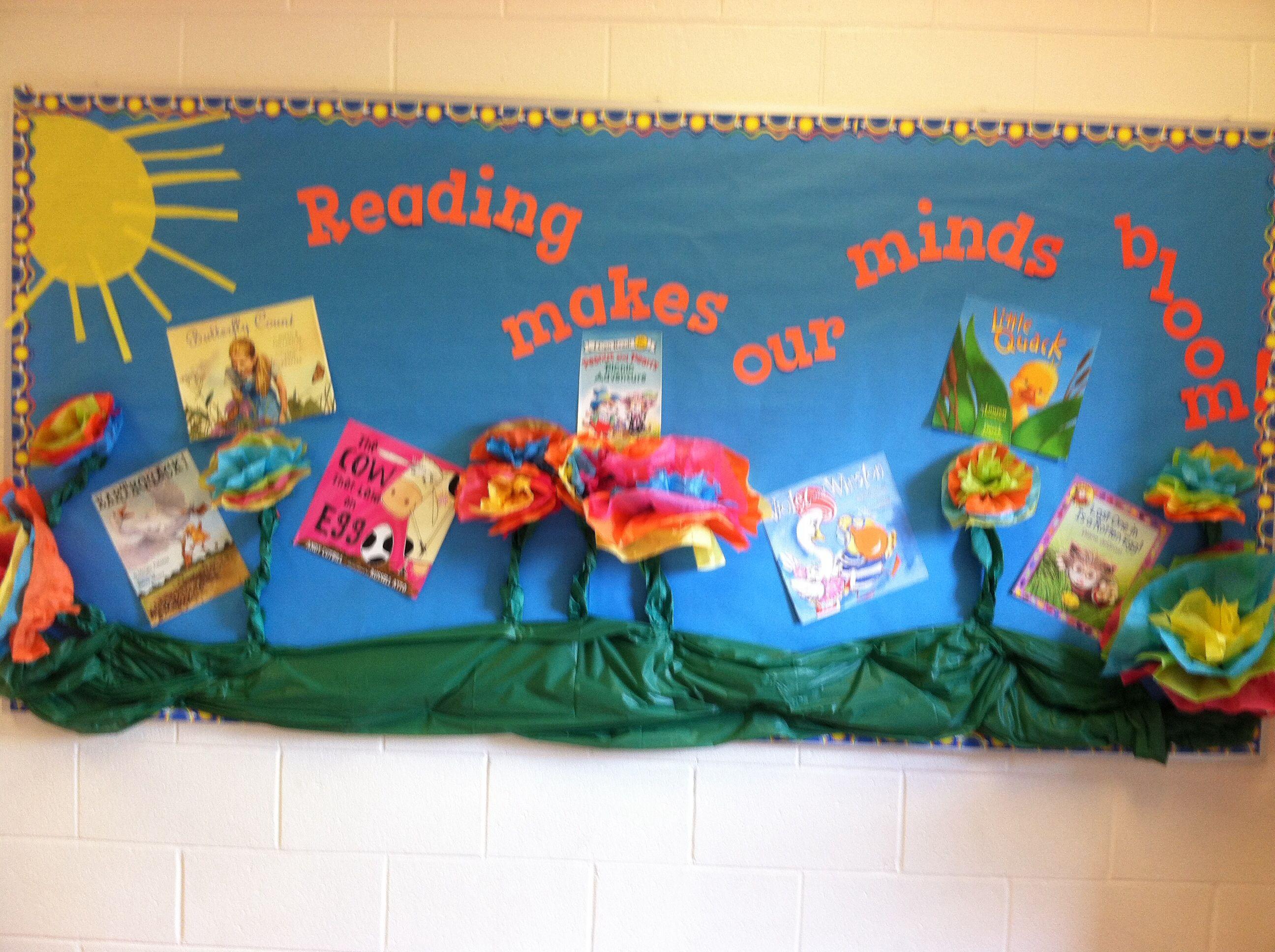 Spring reading bulletin board at Rock Spring Elementary