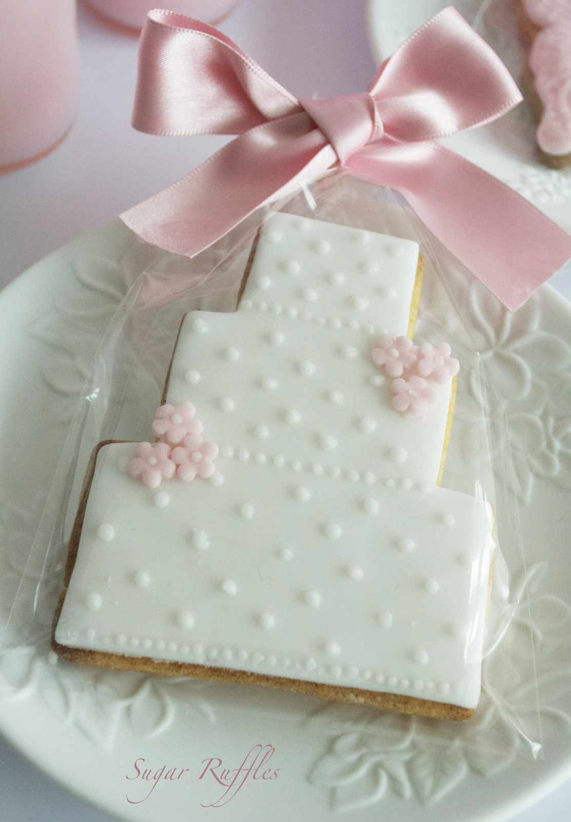 Wedding Favour Cookies Cupcake Wedding Favours We offer a range of ...