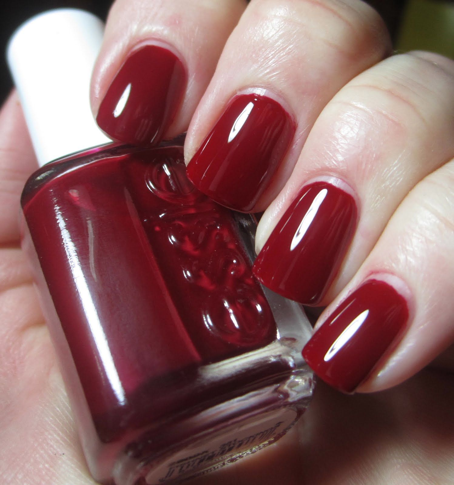 10 Best Red Nail Polishes (And Reviews) - 2018 Update | Essie ...