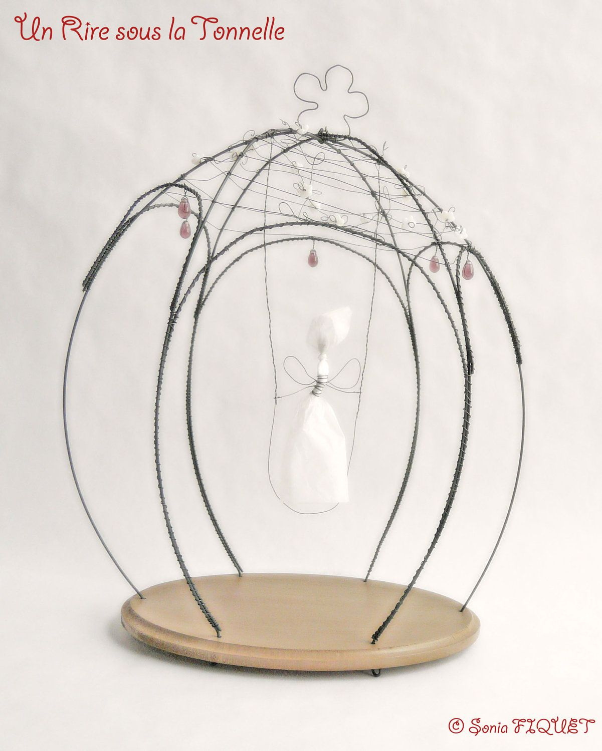 wire cage with paper elf unriresouslatonnelle poetic and playful creations for interior design. Black Bedroom Furniture Sets. Home Design Ideas