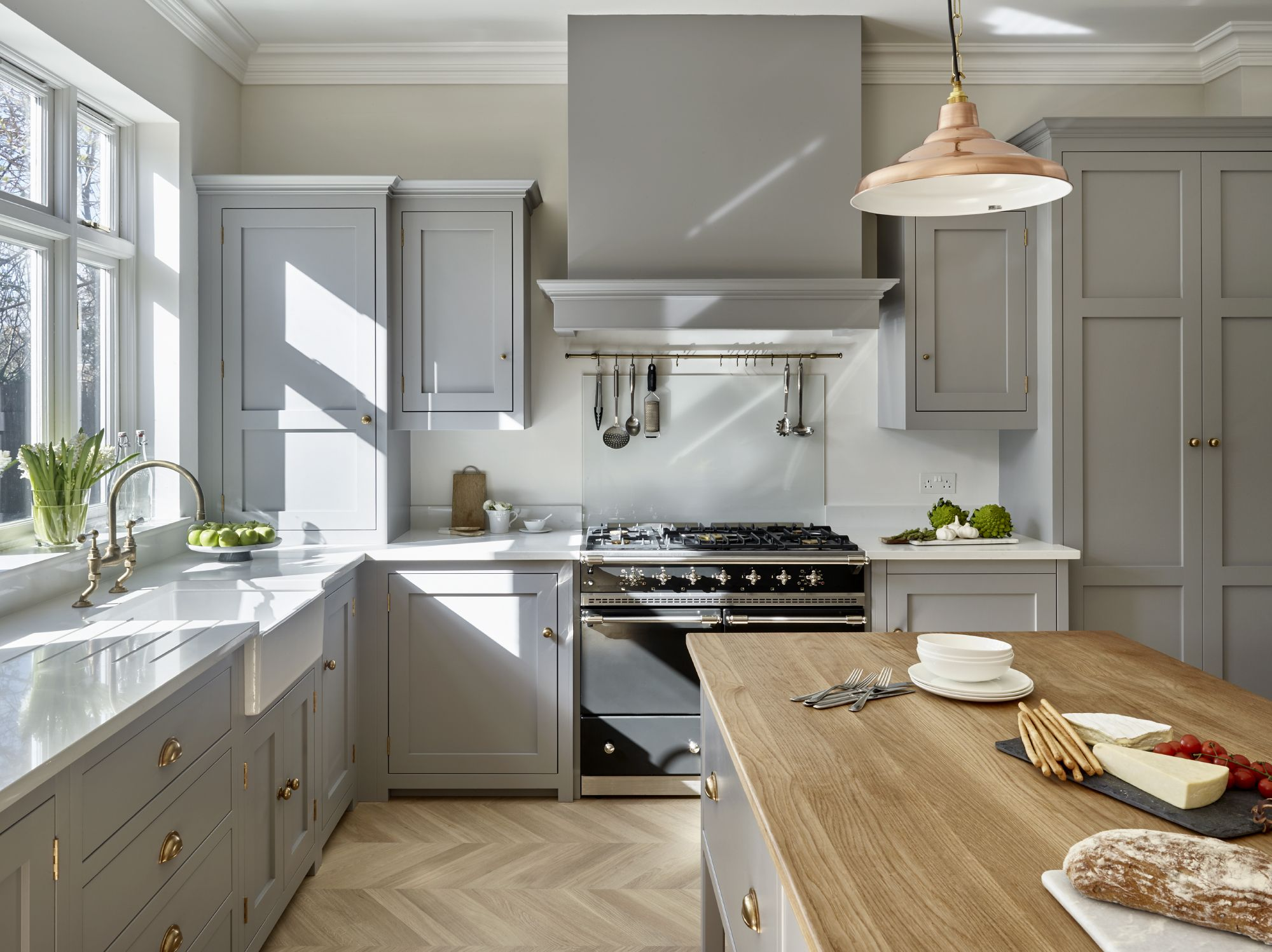 Traditional Country Kitchen With Cabinets In A Modern Shade Of