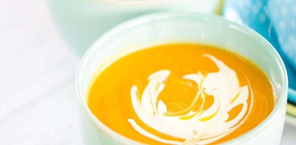 Recepty: Polévka z pečené dýně