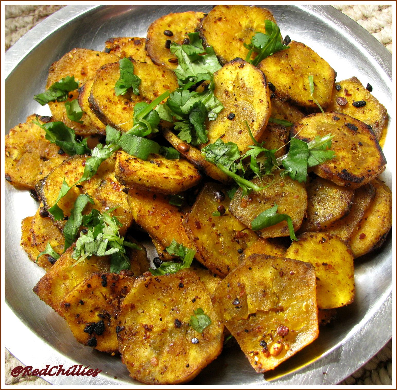 Vegetarian indian food recipe spiced raw banana fry plaintain vegetarian indian food recipe spiced raw banana fry plaintain curry redchillies forumfinder Images