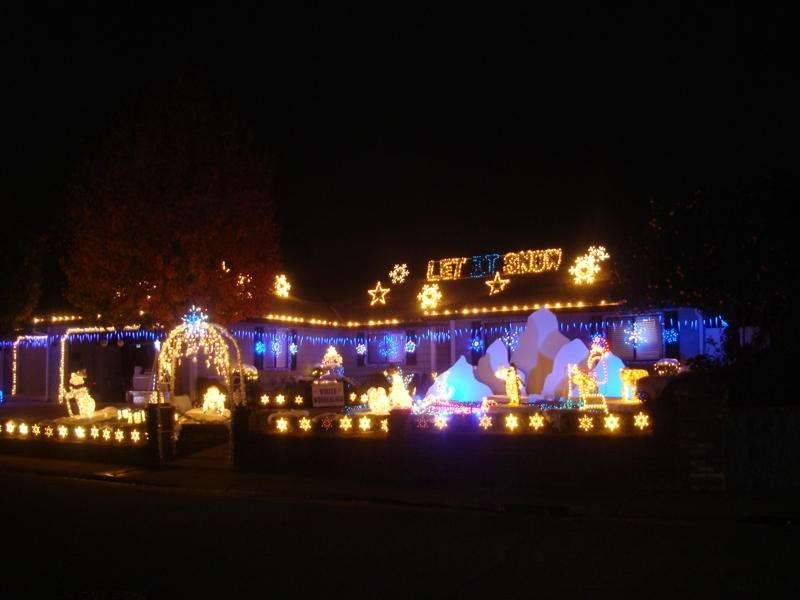 Crazy For Christmas.Dovewood Court Orangevale Ca Entire Neighborhood Goes