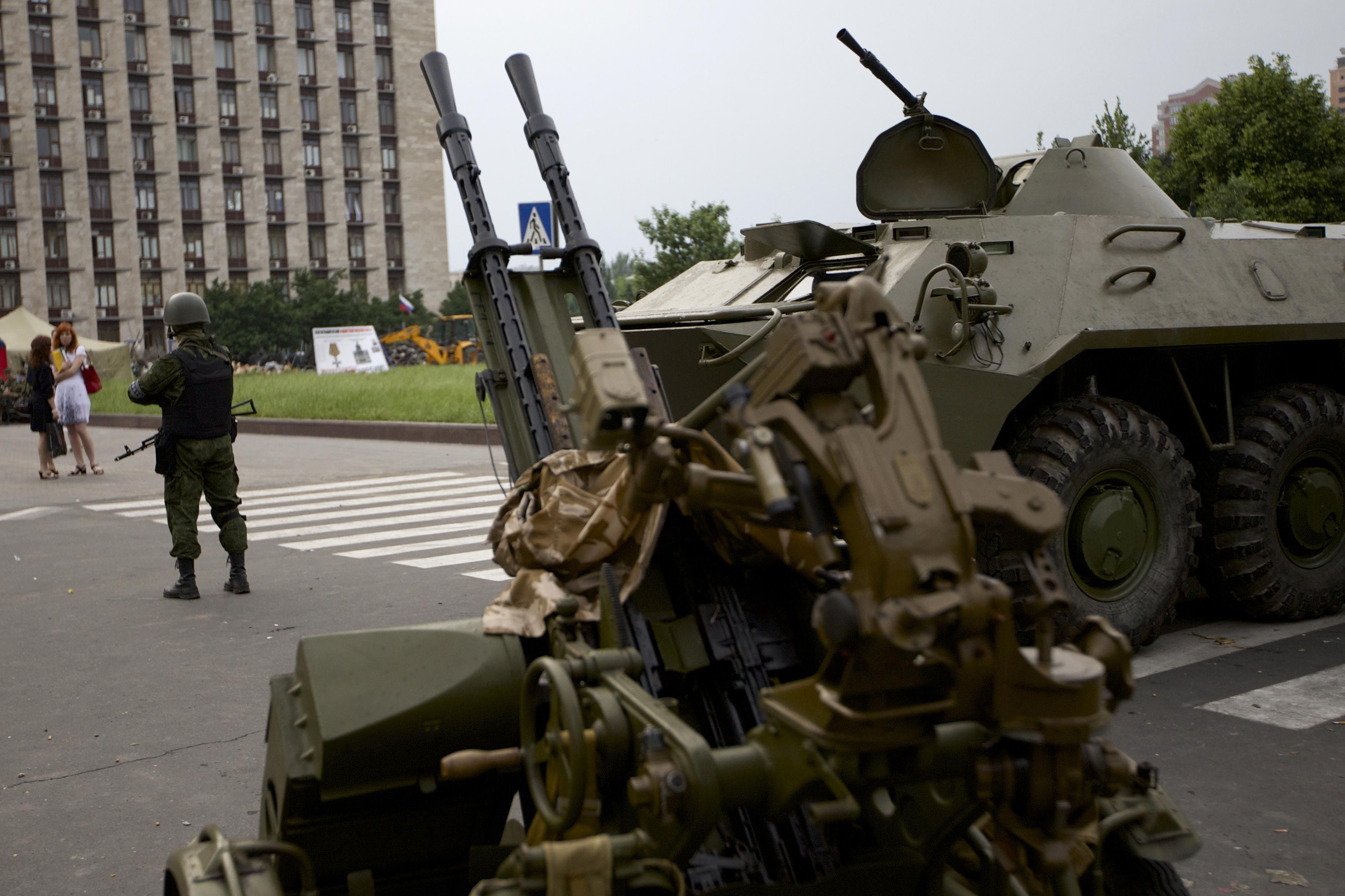 Russia pulls most troops from Ukraine border, US defense officials say