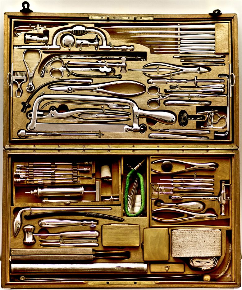 Tools kit all you need de madera pinterest for Garajes vintage