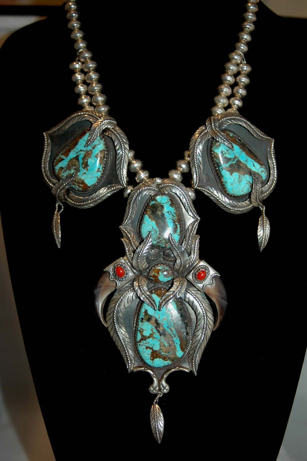 Gorgeous turquoise feather necklace