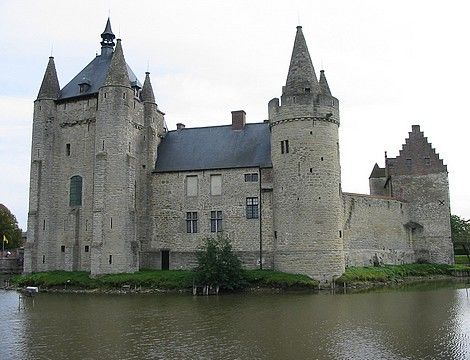 Belgium -Laarne Castle The first castle at this site was built in the 11th century as a part of a line of defense around Gravensteen Castle in Gent. When the knight Diederik of Alsace returned from his crusade with the relic of the Holy Blood in 1157, he retreated to Laarne Castle. In 1362 the Count of Flanders got permission to house a garrison in the castle. This was the cause of several sieges.