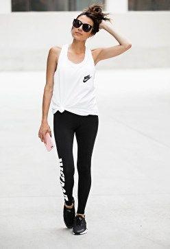 30486005dd59 Stylish workout outfits 23