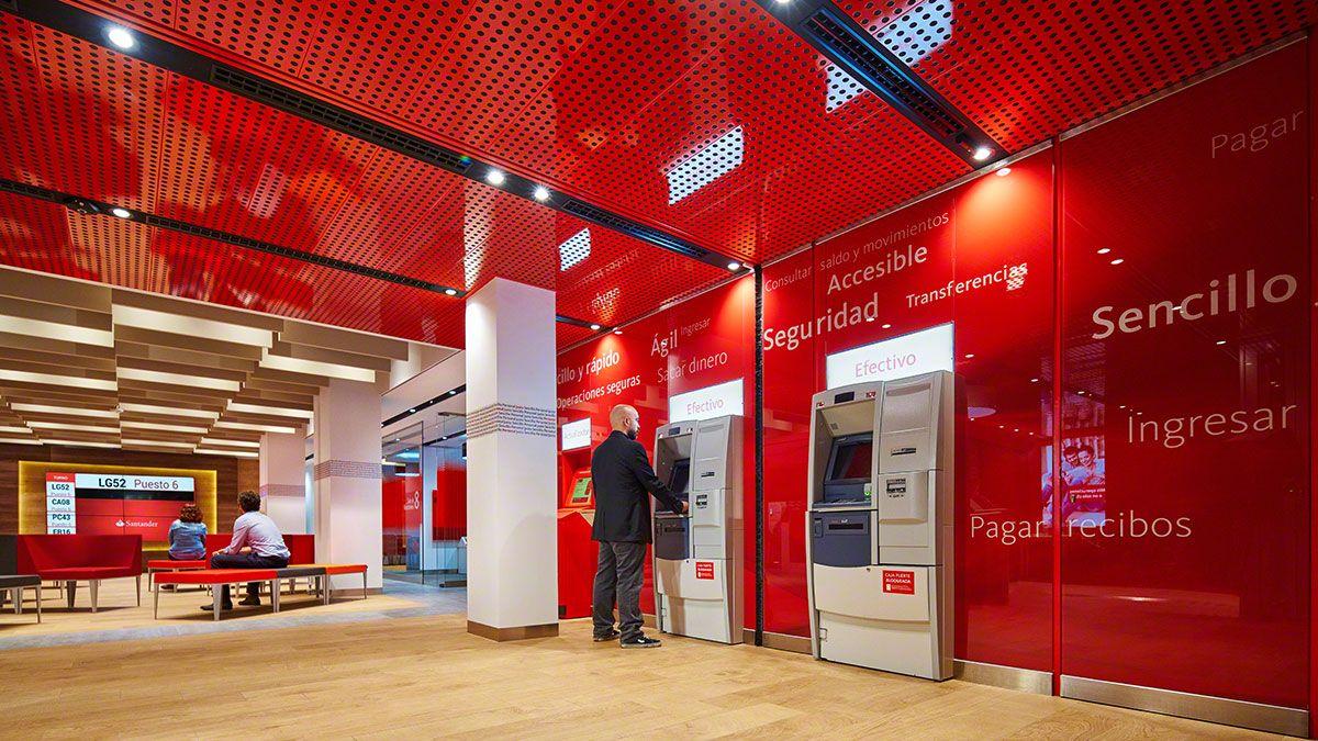 Santander Spain Flagship Pilot Branch Allen International Bank Design Retail Interior Design Retail Space Design