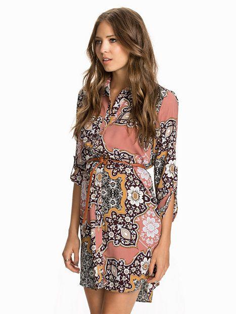 d9a42852e4f Paisley Shirt Dress - River Island - Paisley - Klänningar - Kläder - Kvinna  - Nelly