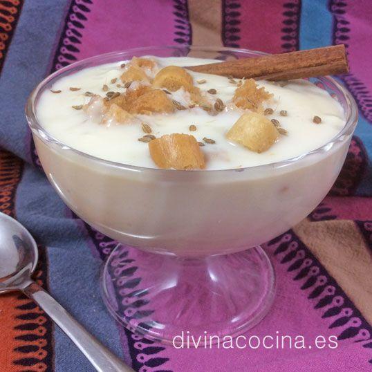 Las poleás son típicas de la cocina andaluza, sobre todo de Sevilla, Huelva y Cádiz. Es un postre tradicional que ha ido adoptando muchas variedades según los lugares en los que se prepara.