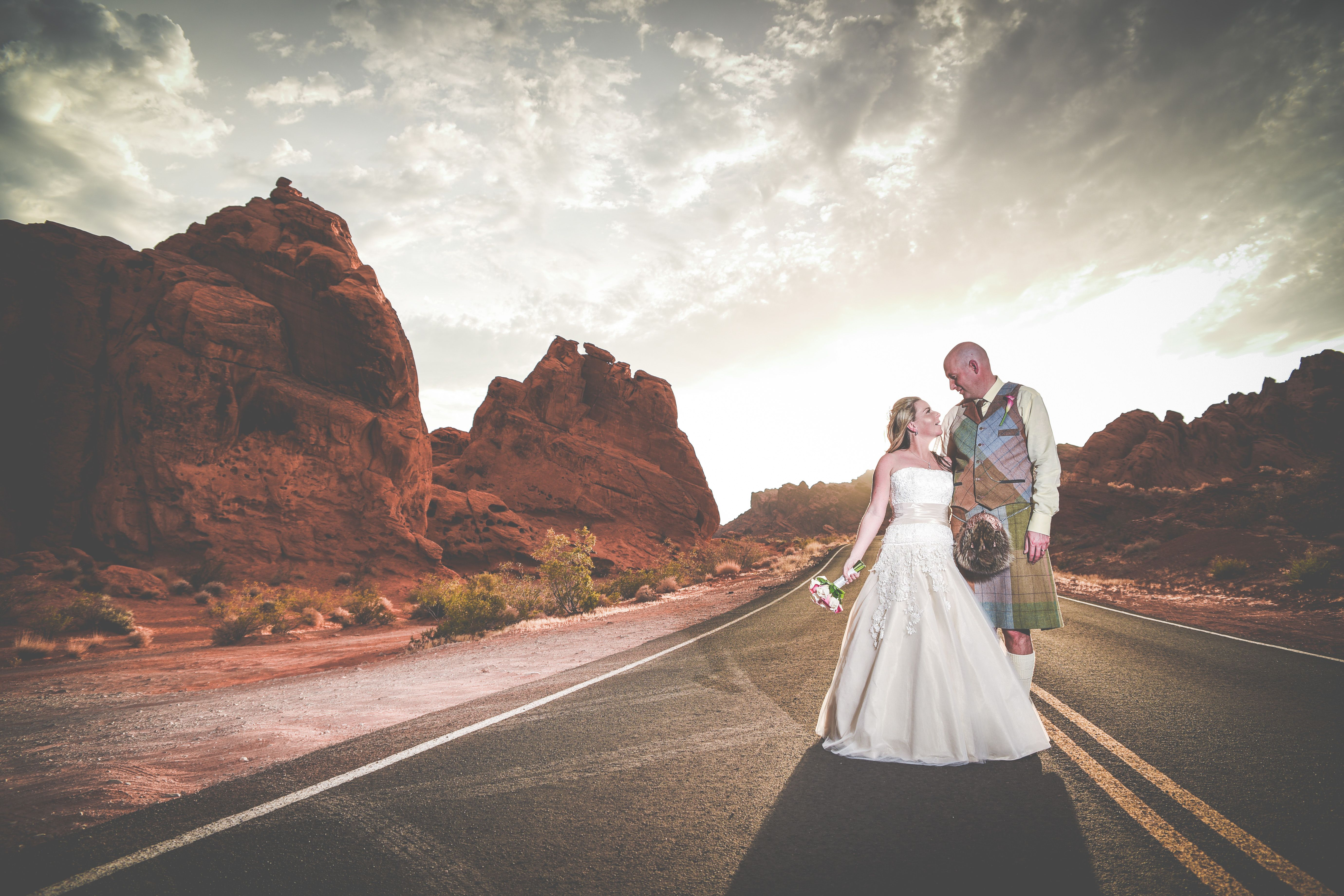 Sunburst Wedding Photo At The Valley Of Fire Near Las Vegas Got To Love Grooms
