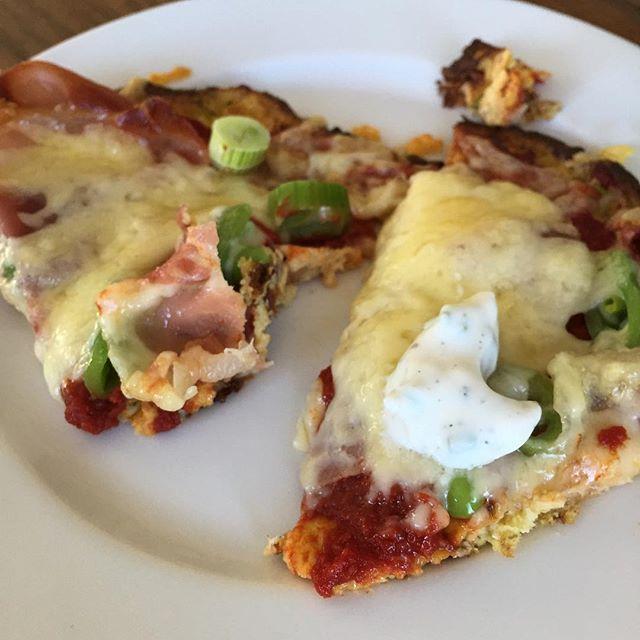 Blomkålpizza   #pizza #helthypizza #sunday #shapeupnorge #fitness #happy #søndag #fit #kesam #food