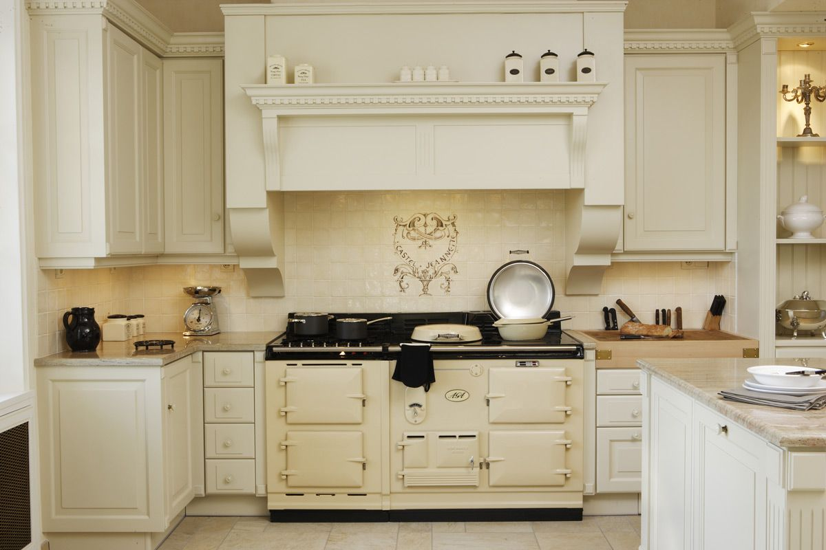Une cuisine exploitant toute la hauteur de la pi ce aga for Hauteur de hotte de cuisine