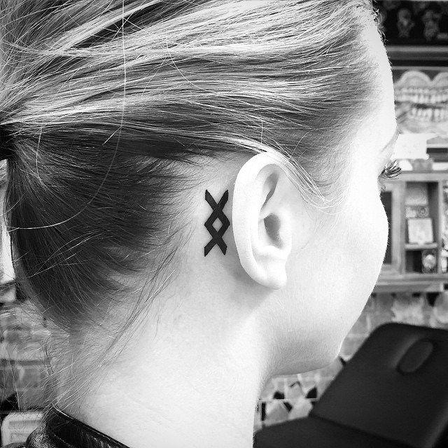 inguz viking rune tattoo behind ear head tattoo pinterest viking rune tattoo viking runes. Black Bedroom Furniture Sets. Home Design Ideas